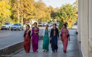 Как люди живут в туркмении