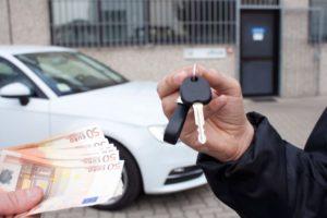 Как передать деньги при покупке автомобиля с рук