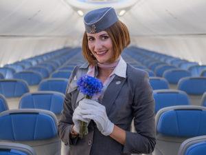 Во сколько уходят стюардессы на пенсию